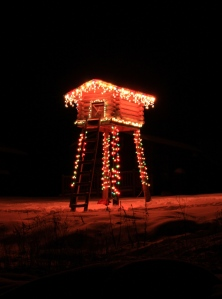 The cache all decorated with lights. We have to start the generator to enjoy the lights.